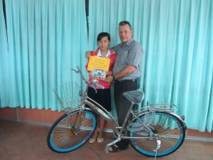 John Heeg - VL-LH-H137-C02-gift bike from kid's at Ch.-Dec,10-2015